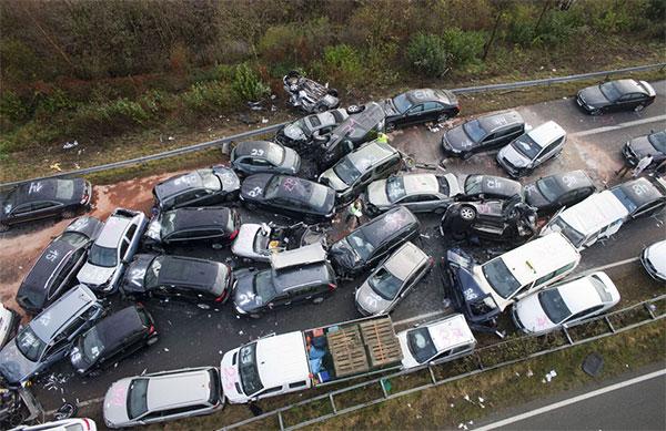52-car-pile-up.jpg