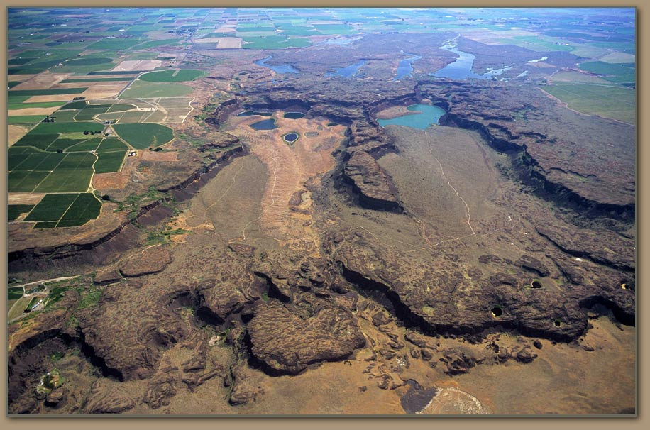 Potholes-Coulee-Scabland.jpg