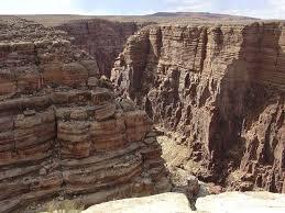 colorado river gorge 3.jpeg