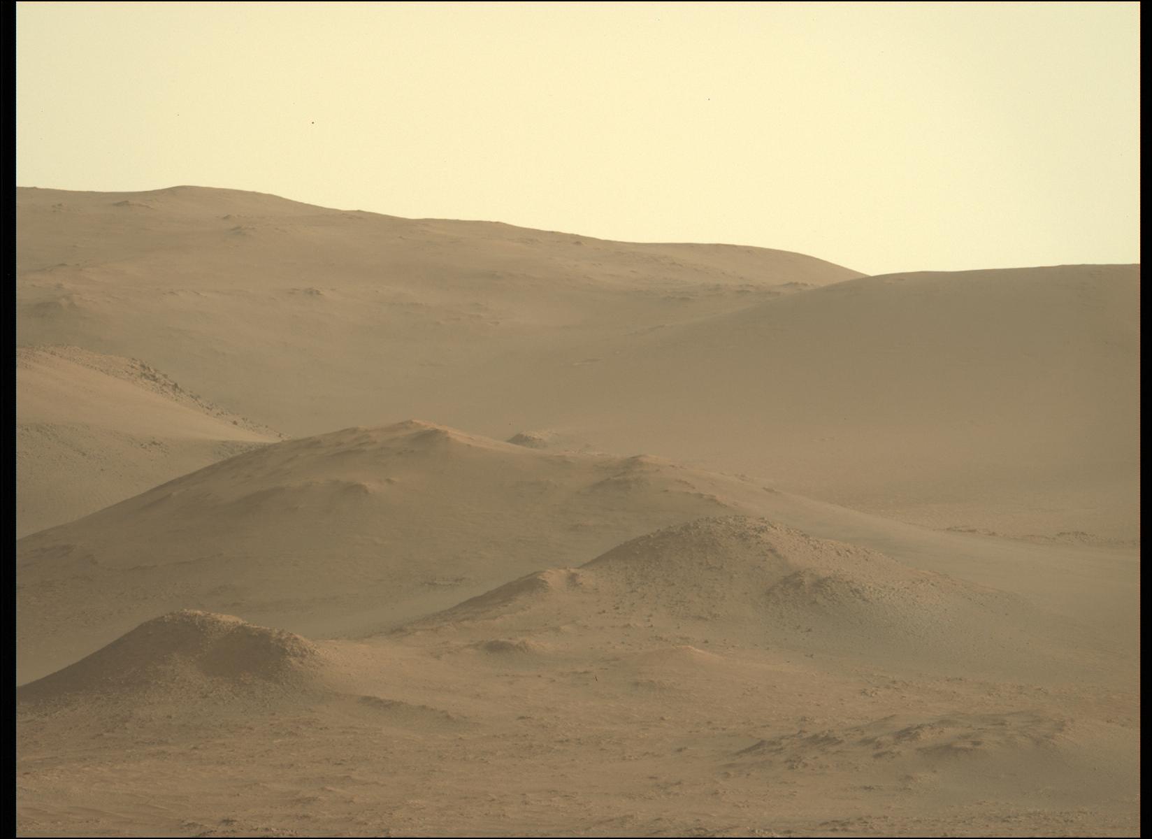 Mars_Perseverance_ZL0_0128_0678318072_318EBY_N0041878ZCAM08129_1100LMJ.png